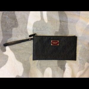 New Michael Kors Black MK Logo Wristlet Clutch Bag